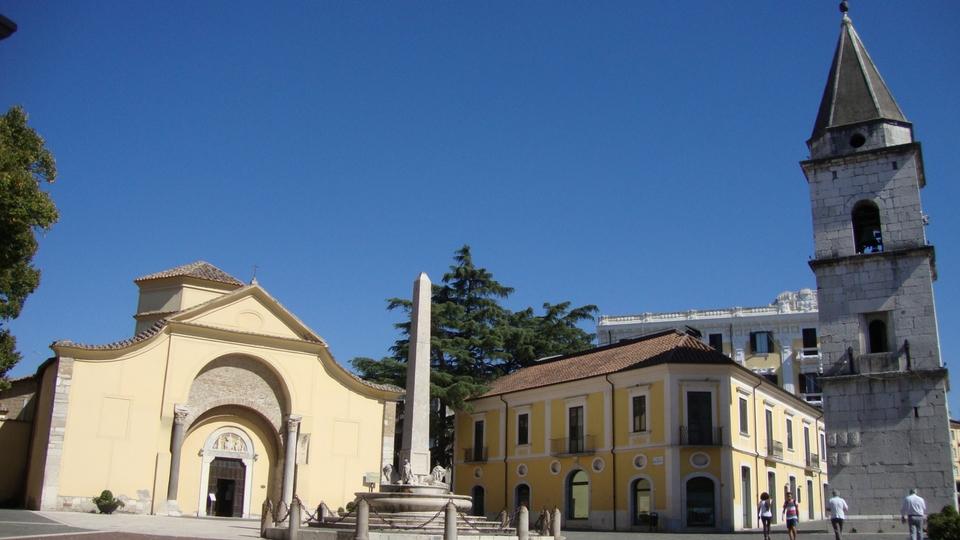 chiesa Sofia santa duomo Benevento campanile