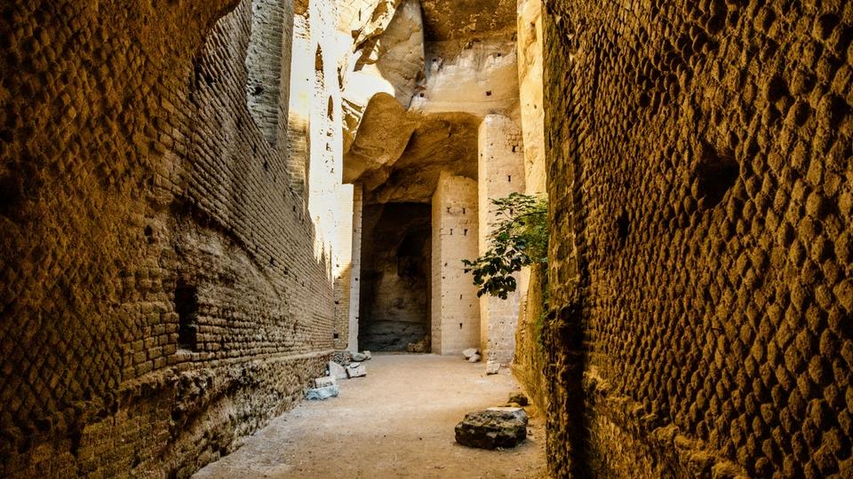 crypta romana cuma